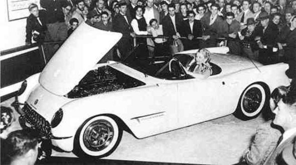 19-EX-122-THE-1953-MOTORAMA-CORVETTE3