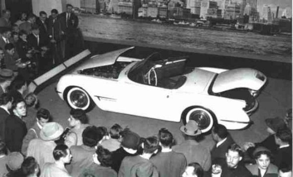 19-EX-122-THE-1953-MOTORAMA-CORVETTE_