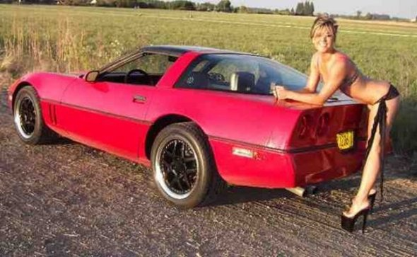 W04_Corvette-C4-red-12-06