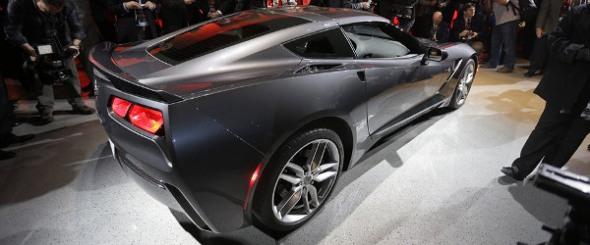 2014_corvette_C7_rear_right