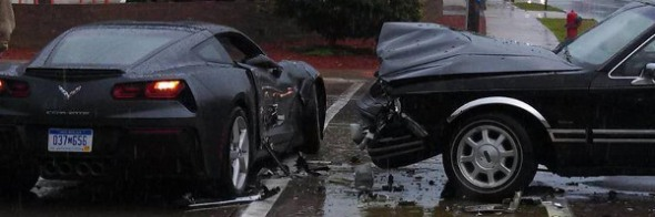 2014_corvette_C7_crash_