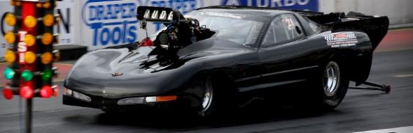 4-05_C5_black_Corvette_C5