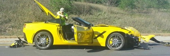 14_C7_Convertible_gelb_crash